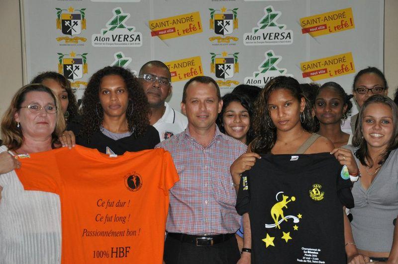 Ef et les handballeuses 1